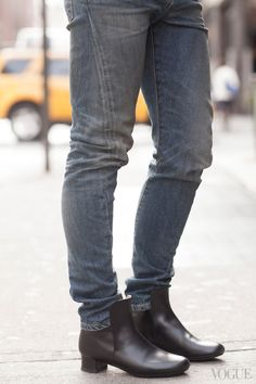 jeans-with-a-side-seam-that-twists-to-the-front